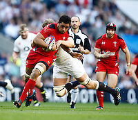 Photo: Richard Lane/Richard Lane Photography. England v Wales. RBS Six Nations. 09/03/2014. Wales' Taulupe Faletau attacks.
