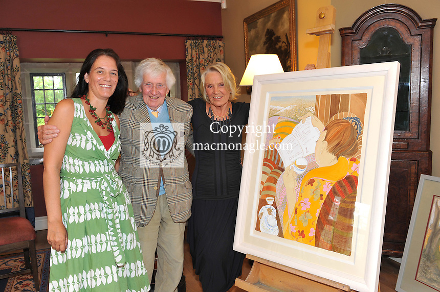 Pictured at the Ard na Sidhe Manor House afternoon tea and culture with Artist Pauline Bewick  overlooking Caragh Lake were, Artist Pauline Bewick and her husband Pat Melia and daughter Holly..Picture by Don MacMonagle..PR photo: Ard na SIdhe:.Further info: Joanne Byrne / Presence PR 353 1 676 1062