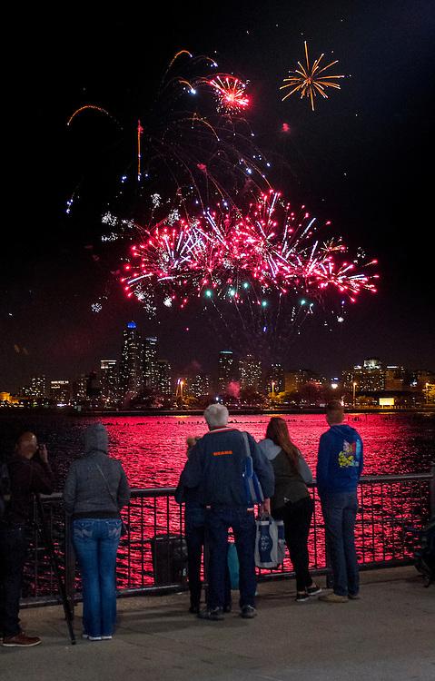 Fireworks in the sky over Lake Michigan during Venetian Night at Navy Pier. (DePaul University/Jamie Moncrief)