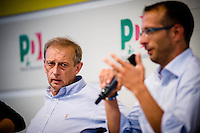 Bologna agosto settembre 2014, Festa Nazionale dell'Unità. Migliaia di volontari per quasi un milione di visitatori. Il sindaco di Torino Piero Fassino.