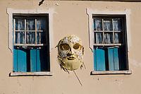 Tiradentes_MG, Brasil...Decoracao de carnaval de uma casa em Tiradentes...The carnival decoration on a house in Tiradentes...Foto: LEO DRUMOND /  NITRO