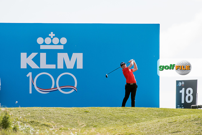 Matt Wallace (ENG) in action on the 18th hole during the 2nd round at the KLM Open, The International, Amsterdam, Badhoevedorp, Netherlands. 13/09/19.<br /> Picture Stefano Di Maria / Golffile.ie<br /> <br /> All photo usage must carry mandatory copyright credit (© Golffile | Stefano Di Maria)
