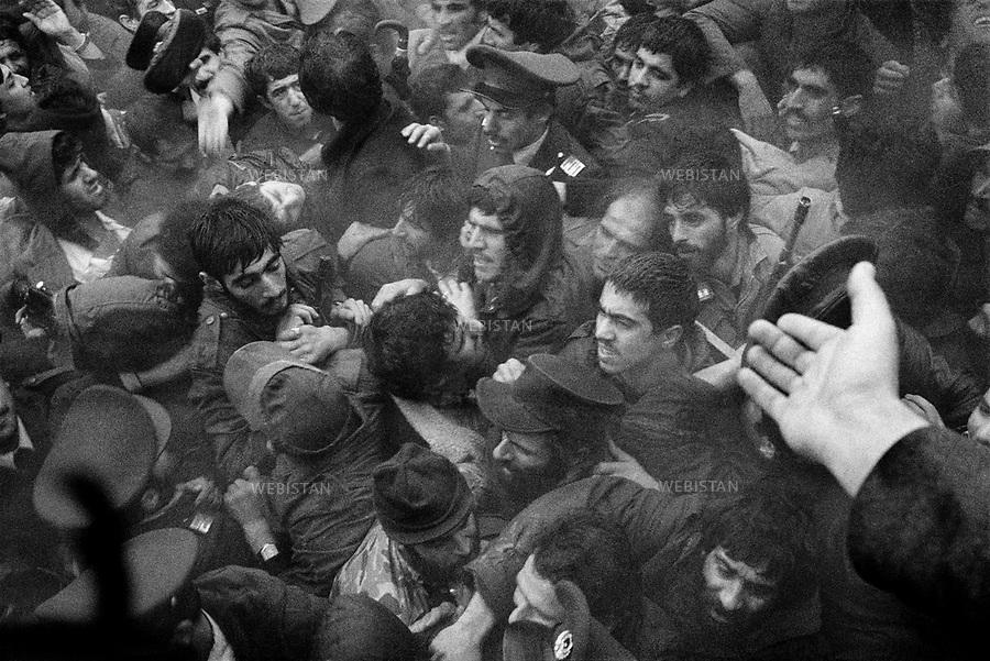1980..Iran. Tehran. A crowd is gathered for Yasser Arafat (1929-2004), chairman of the PLO as he visits Tehran...Iran. Téhéran. Une foule s'est rassemblée à l'occasion de la visite de Yasser Arafat (1929-2004), chef de l'OLP.