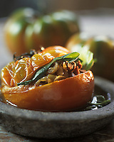 Europe/France/Provence-Alpes-Côte d'Azur/06/Alpes-Maritimes/Nice: Tomates froides farcies de pissalat et fondue d'oignons