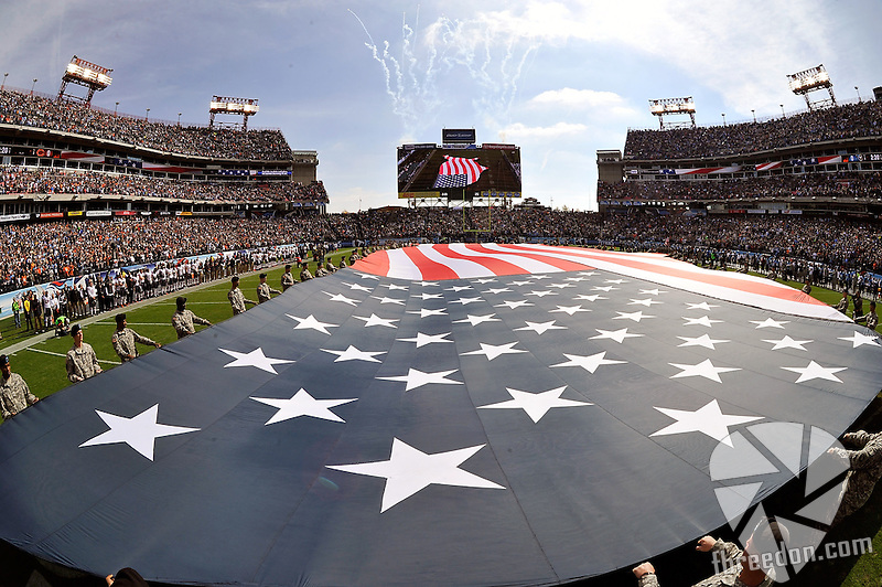 NASHVILLE, TN - NOVEMBER 04:  Members of the military hold an American flag on the field prior to a game between the Tennessee Titans and  the Chicago Bears at LP Field on November 4, 2012 in Nashville, Tennessee.  (Photo by Frederick Breedon/Getty Images)