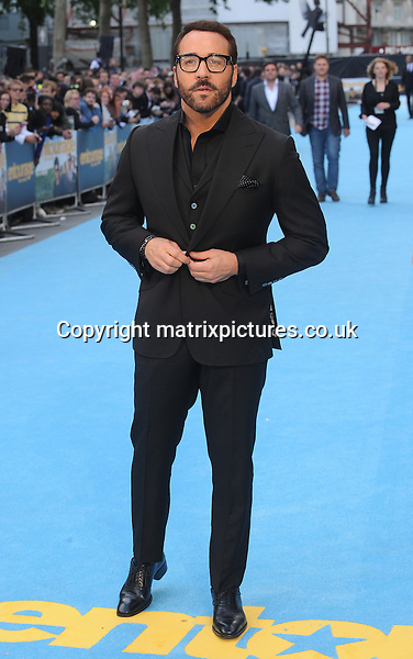 NON EXCLUSIVE PICTURE: PAUL TREADWAY / MATRIXPICTURES.CO.UK<br /> PLEASE CREDIT ALL USES<br /> <br /> WORLD RIGHTS<br /> <br /> American actor Jeremy Piven attending the European Premiere of Entourage at Vue West End, in London.<br /> <br /> JUNE 9th 2015<br /> <br /> REF: PTY 151850