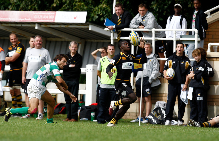Photo:Richard Lane/ Richard Lane Photography. London Wasps v Treviso Rugby. Pre Season Friendly. 27/08/2011. Wasps' Christain Wade attacks.
