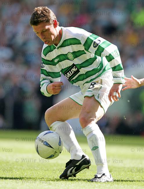Alan Thompson, Celtic.stock season 2003-2004.pic willie vass