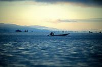 Asie/Birmanie/Myanmar/Plateau Shan/Ywathit: Lac Inle - Pêcheur sur la lac