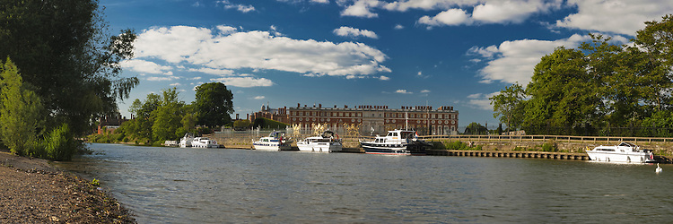Summer at Hampton Court on the River Thames, Hampton, Uk