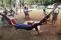 PARATY, RJ, 03.07.2013 - FLIP / FESTA LITERÁRIA - Movimentação no primeiro dia de FLIP (Festival Literária Internacional de Paraty), o evento começa hoje e vai até o próximo domingo,07. No município de Paraty (RJ), nesta quarta-feira, 03.Foto: Vanessa Carvalho - Brazil Photo Press