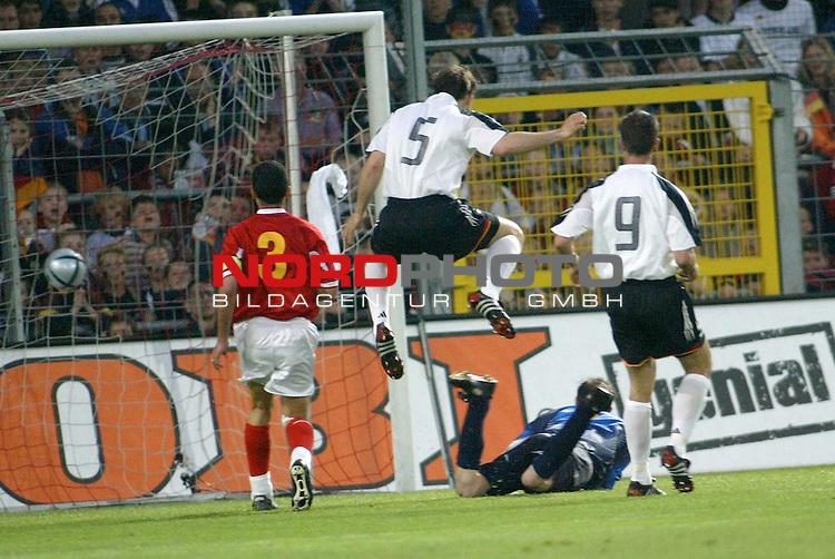 Fussball Laenderspiel EM-Vorbereitung<br /> <br /> Deutschland vs. Malta <br /> <br /> 3 : 0 Jens Nowotny<br /> <br /> Foto &copy; nordphoto/Guenter Schroeder  *** Local Caption *** Foto ist honorarpflichtig! zzgl. gesetzl. MwSt<br /> Belegexemplar erforderlich<br /> Adresse: nordphoto<br /> Georg-Reinke-Strasse 1<br /> 49377 Vechta