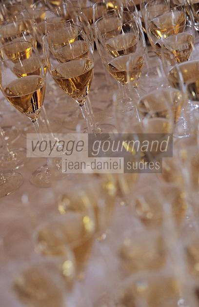 """Europe/France/Champagne-Ardenne/51/Marne/Reims: Dégustation à l'aveugle de champagne millésimes à l'hôtel-restaurant """"Les Crayères"""" - Verre de vin de champagne"""
