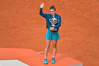 Simona Halep of Romania with the Suzanne Lenglen Cup after winning the final during Day 14 of the French Open 2018 on June 9, 2018 in Paris, France. (Photo by Baptiste Fernandez/Icon Sport)