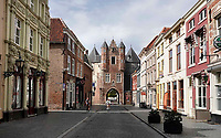 Nederland - Bergen op Zoom -  16september 2018. De Gevangenpoort (ook Lievevrouwepoort ) in Bergen op Zoom is het oudste monument van de stad. De poort dateert uit de 14e eeuw en is één van de overgebleven voorbeelden van stadspoorten zoals die in de middeleeuwen in Nederlandse steden te vinden waren. Het is de enige overgebleven stadspoort in Bergen op Zoom.   Foto Berlinda van Dam / Hollandse Hoogte