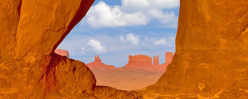 Teardrop Arch. Monument Valley, Arizona