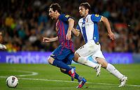 BARCELONA, ESPANHA, 05 MAIO 2012 - CAMP. ESPANHOL - BARCELONA X ESPANYOL - Messi (e)  jogador do Barcelona durante partida contra o Espanyol em partida valida pela 37 Rodada do Campeonato Espanhol, no estadio Camp Nou em Barcelona na Espanha. (FOTO: VANESSA CARVALHO / BRAZIL PHOTO PRESS).