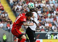 Zweikampf Marvin Plattenhardt (Hertha BSC Berlin) gegen Danny da Costa (Eintracht Frankfurt) - 21.04.2018: Eintracht Frankfurt vs. Hertha BSC Berlin, Commerzbank Arena