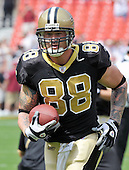 Landover, MD - September 14, 2008 -- New Orleans Saints tight end Jeremy Shockey (88) carries the ball after a catch as he and his team warm-up prior to the game against the Washington Redskins at FedEx Field in Landover, Maryland on Sunday, September 14, 2008..Credit: Ron Sachs / CNP.(RESTRICTION: NO New York or New Jersey Newspapers or newspapers within a 75 mile radius of New York City)