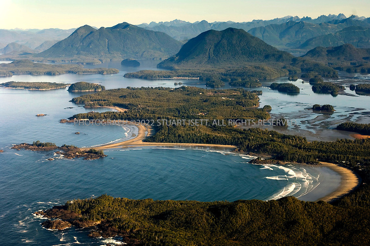 9/26/2006--Tofino, British Columbia, Canada..An aerial view of Chesterman beach (back) and Cox Cove (forground)....Photograph By Stuart Isett.All photographs ©2006 Stuart Isett.All rights reserved.