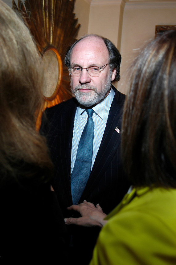 John Corzine at dinner for the Women's Campaign
