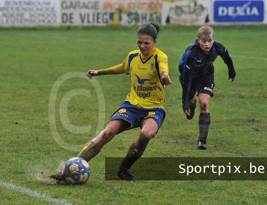 Club Brugge - STVV : Lien Haverals voor Yana Haesebroek.foto Joke Vuylsteke / Vrouwenteam.be
