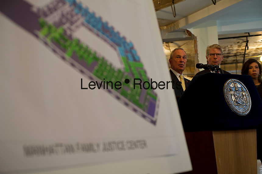 NY Mayor Mike Bloomberg, left, and Manhattan District Attorney Cyrus Vance, Jr., right, announce the start of construction of the fourth New York City Family Justice Center in New York, on Wednesday, October 24, 2012.  The center will be a one-stop service center for Manhattan's domestic violence victims. © Frances M. Roberts)