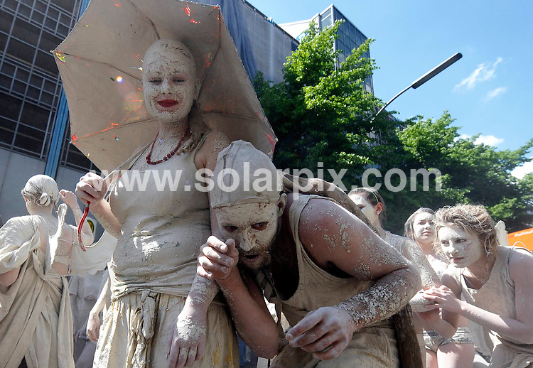 **ALL ROUND PICTURES FROM SOLARPIX.COM**.**SYNDICATION RIGHTS FOR UK AND SPAIN ONLY**.Participants from all over the world take part in the street festival and parade 'Carnival of Cultures' in Berlin's Kreuzberg district. The carnival presents the cultural and ethnic diversity of the German capital, a city with a large international population. 11th May 2008..JOB REF: 6377 CPR        DATE: 11_05_2008.**MUST CREDIT SOLARPIX.COM OR DOUBLE FEE WILL BE CHARGED* *UNDER NO CIRCUMSTANCES IS THIS IMAGE TO BE REPRODUCED FOR ANY ONLINE EDITION WITHOUT PRIOR PERMISSION*