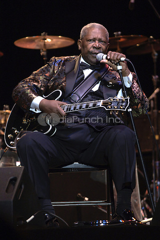 B.B. King on his 80th birthday fairwell tour, performing live at Mizner Park Ampitheater in Boca Raton, FL.  April 30, 2006.<br /> Credit: mpi04 /MediaPunch.