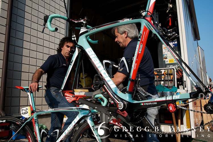 Giro mechanics put in insane hours to make sure their athletes bikes were in top form.  Team Androni's crew were up at dawn and the last to arrive at dinner.