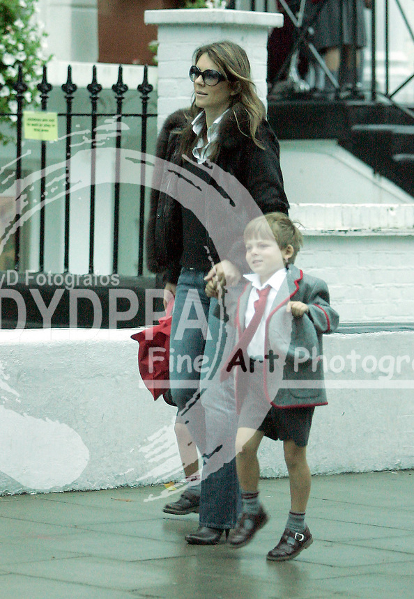 LONDON<br />************WORLD RIGHTS ONLY*******<br />EXCLUSIVE PICTURES BY: <br />&copy;KATIE B-JUSTIN/EAGLEPRESS<br />PLEASE CREDIT ALL USES<br />----------------------------------<br />ELIZABETH HURLEY BITTING HER TONGUE AS SHE TAKES SON DAMIEN TO THE SCHOOL<br />----------------------------------<br />CONTACT: EAGLEPRESS <br />JAVIER MATEO <br />1F GRAND UNION CLOSE WOODFIELD ROAD <br />W9 2BD <br />MAIN: +44 (0)7786 514 443 <br />SALES / SYNDICATION: +44 (0) 7866 493 740