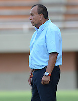 ENVIGADO -COLOMBIA-05-09-2015. Jorge Luis Bernal técnico de Jaguares FC gesticula durante el encuentro con Envigado FC por la fecha 10 de la Liga Águila II 2015 realizado en el Polideportivo Sur de la ciudad de Envigado./ Jorge Luis Bernal coach of Jaguares FC gestures during match against Envigado FC for the 10th date of the Aguila League II 2015 at Polideportivo Sur in Envigado city.  Photo: VizzorImage/León Monsalve/STR