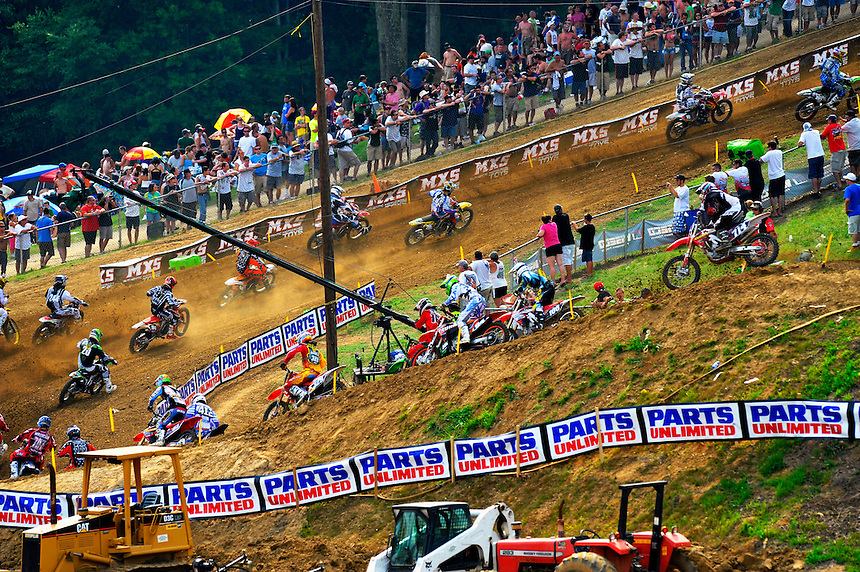 The 250 class heads up the track during the Lucas Oil AMA Pro Motocross at Budds Creek National in Mechanicsville, Maryland on Saturday, June 18, 2011. Alan P. Santos/DC Sports Box