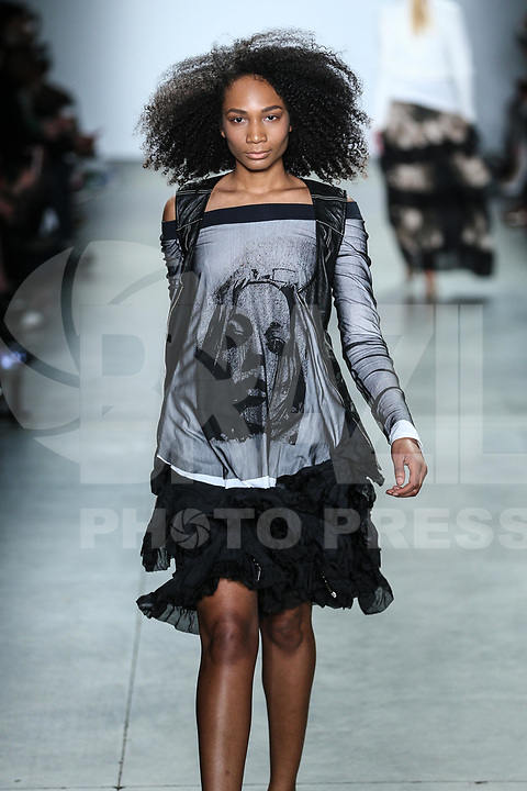 NOVA YORK, EUA, 10.02.2019 - MODA-EUA - Modelo durante desfile da grife M.E no Global Fashion Collective I na semana de Moda de New York no Pier 59 Studios em Manhattan nos Estados Unidos neste domingo, 10 (Foto: Vanessa Carvalho/Brazil Photo Press)