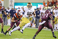 Blacksburg, VA - October 6, 2018: Notre Dame Fighting Irish tight end Alize Mack (86) runs after catching a pass during the game between Notre Dame and VA Tech at  Lane Stadium in Blacksburg, VA.   (Photo by Elliott Brown/Media Images International)