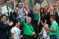 Venezia: il leader della Lega Nord Umberto Bossi con il figlio Renzo Bossi, Roberto Cota e Roberto Caderoli partecipano alla quindicesima edizione della festa nazionale dei popoli padani.