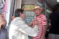 SAO PAULO, SP, 09 DE AGOSTO 2012 &ndash; ELEICOES SP - FERNANDO HADDAD O candidato a prefeitura de Sao Paulo Fernando Haddad (PT) acompanhado da sua vice, Nadia Campeao<br />  participou nesta tarde de caminhada pelas ruas de Itaqeura, zona leste da capital. (FOTO: THAIS RIBEIRO / BRAZIL PHOTO PRESS).