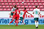 Foul an - kein Elfmeter Yuya Osako (Werder Bremen #08), Kunde Malong (FSV Mainz 05 #14), Jeremiah St. Juste (FSV Mainz 05 #04), Davy Klaassen (Werder Bremen #30)<br /> <br /> <br /> Sport: nphgm001: Fussball: 1. Bundesliga: Saison 19/20: 33. Spieltag: 1. FSV Mainz 05 vs SV Werder Bremen 20.06.2020<br /> <br /> Foto: gumzmedia/nordphoto/POOL <br /> <br /> DFL regulations prohibit any use of photographs as image sequences and/or quasi-video.<br /> EDITORIAL USE ONLY<br /> National and international News-Agencies OUT.