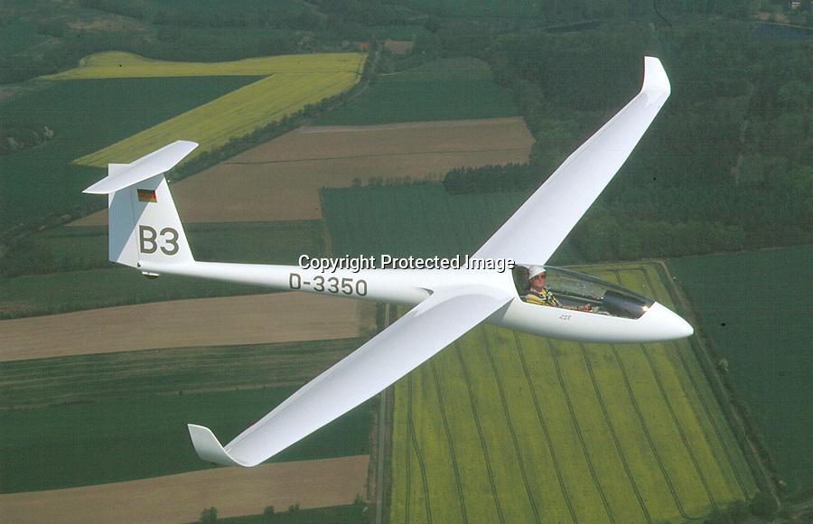 Segelflug, LS 8