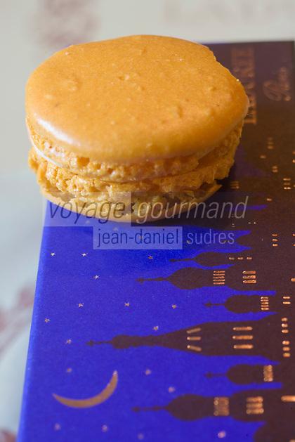Europe/France/Ile-de-France/75008/Paris: Les Macarons de Ladurée -  Boutique Ladurée  16, rue Royale