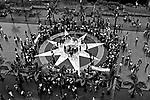 Manifestação dos professores da rede pública na Praça da Sé. São Paulo. 1984. Foto de Juca Martins.