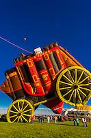 """Wells Fargo Bank's special shapes balloon """"¢ent'r Stage"""", Albuquerque International Balloon Fiesta, Albuquerque, New Mexico USA."""