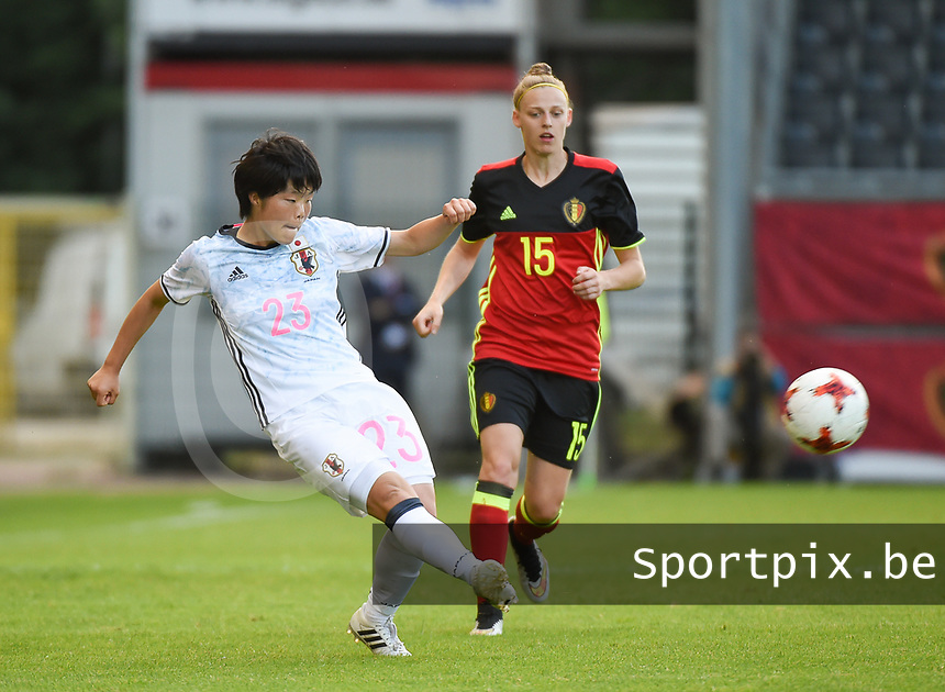 20170613 - LEUVEN ,  BELGIUM : Belgian Yana Daniels (R) and Japanese Nana Ichise (L) pictured during the female soccer game between the Belgian Red Flames and Japan , a friendly game before the European Championship in The Netherlands 2017  , Tuesday 13 th Juin 2017 at Stadion Den Dreef  in Leuven , Belgium. PHOTO SPORTPIX.BE | DIRK VUYLSTEKE
