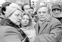27 dicembre 1984, Piazza Maggiore a Bologna: funerali delle vittime della strage del Rapido 904 nota come strage di Natale. I famigliari di una delle vittime.<br /> December 27, 1984, Piazza Maggiore in Bologna: funeral of the victims of the Rapido 904 massacre known as Christmas massacre. The family of one of the victims.