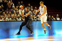 GRONINGEN - Basketbal, Donar - Vitautas, Champions League,  seizoen 2017-2018, 19-09-2017, Donar speler Arvin Slagter met Vytautas  speler  Martynas Linkevicius