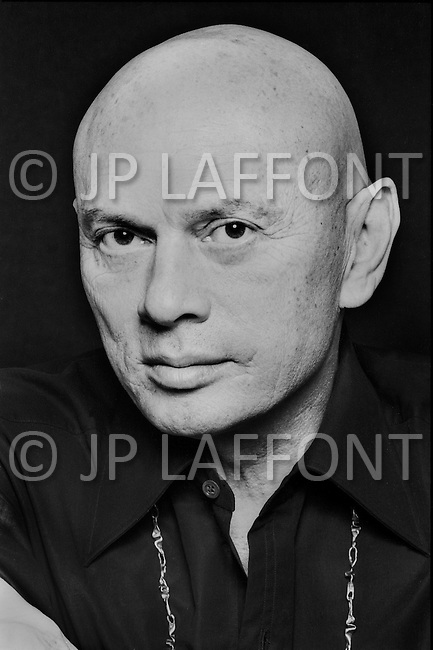 New York City. December, 1974. Portrait of Yul Brynner taken at Roger Prigent Studio.