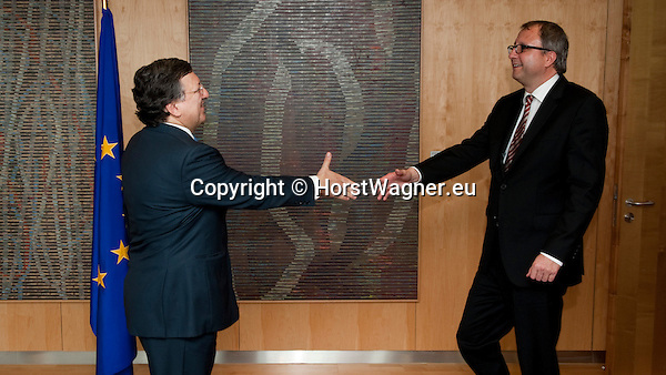 Brussels-Belgium - April 22, 2013 -- Members / judges of the German Federal Constitutional Court meet with the European Commission; here, Jose (José) Manuel BARROSO (le), President of the European Commission, welcomes Prof. Dr. Andreas VOSSKUHLE (ri), President of the Court -- Photo: © HorstWagner.eu