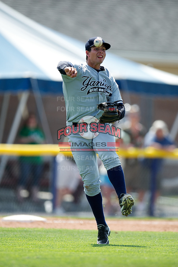 Staten Island Yankees Matt Duran #20 during a game against the Batavia Muckdogs at Dwyer Stadium on July 29, 2012 in Batavia, New York.  Batavia defeated Staten Island 10-2.  (Mike Janes/Four Seam Images)