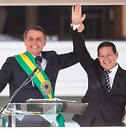 BRASILIA, DF, 01.01.2019 - BOLSONARO-POSSE-    O presidente da República, Jair Bolsonaro e o vice-presidente, general Hamiltom Mourão, nesta terça-feira, 01.(Foto:Ed Ferreira / Brazil Photo Press)