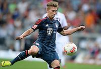 Fussball  International   Audi Cup 2013  Saison 2013/2014   31.07.2013 FC Bayern Muenchen - Sao Paulo FC  Mitchell Weiser (FC Bayern Muenchen) am Ball